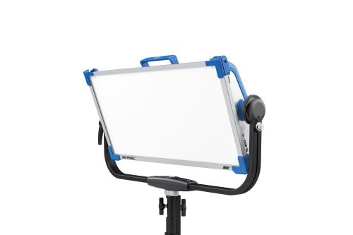 skypanel-s60-c-gallery-alu-yoke-tilt-front-left-stand-data